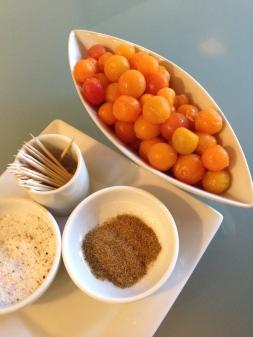botana de tomates cherry y vodka