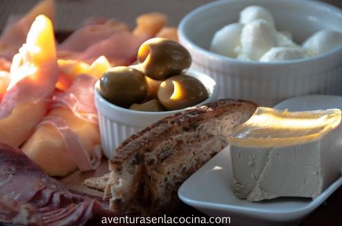 Plato con carnes frias y quesos
