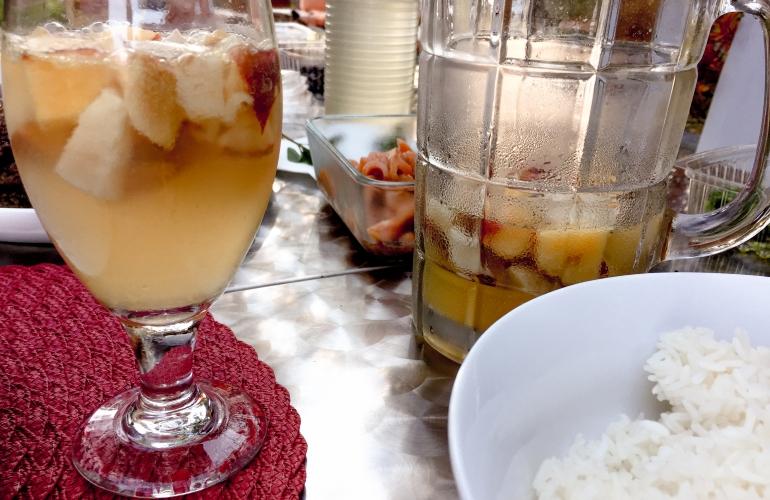 Bebida de vino y fruta