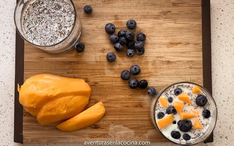Pudin con mango y semillas de chia
